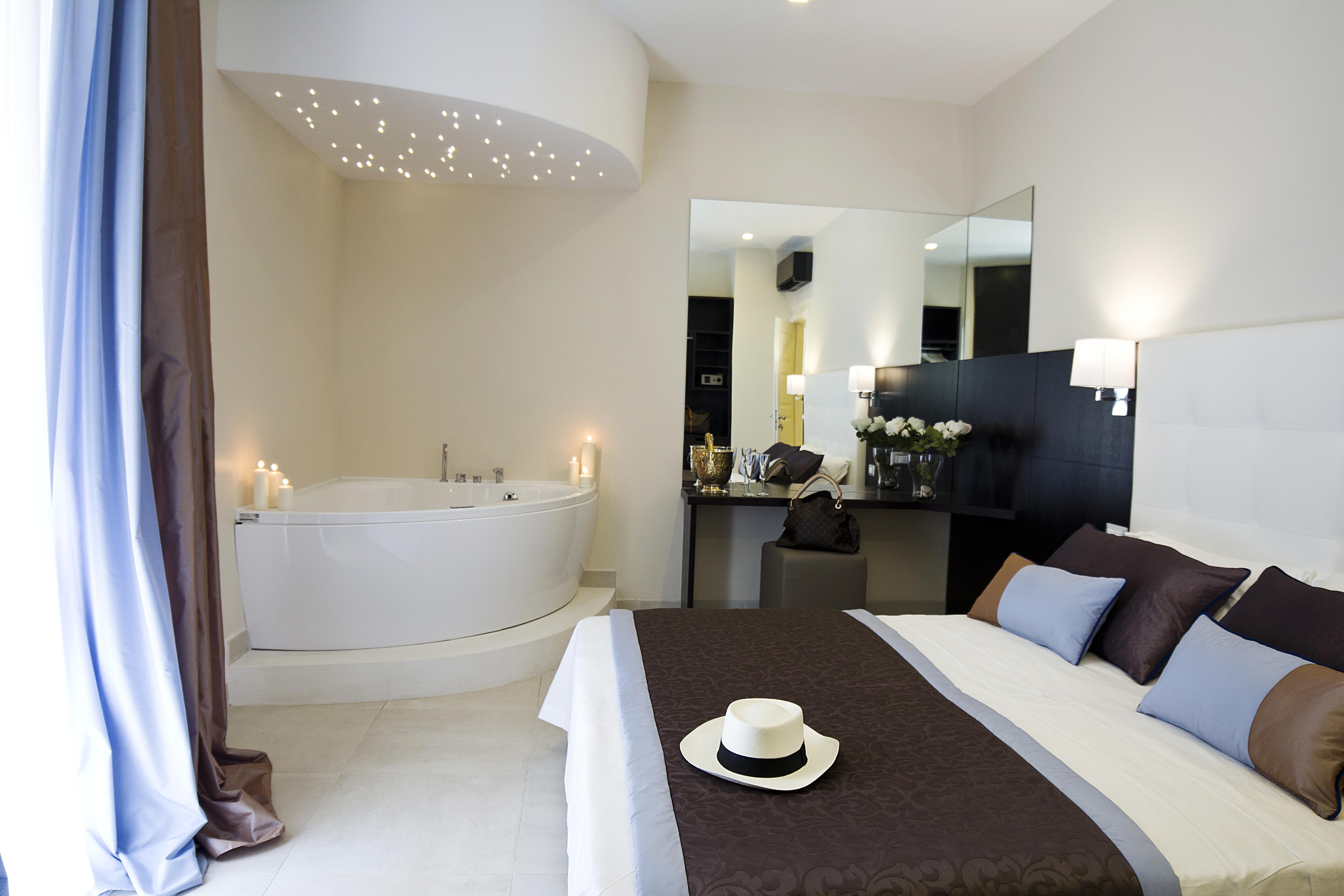 Camera Con Vasca Idromassaggio : Junior suite con vasca idromassaggio roman holidays boutique hotel