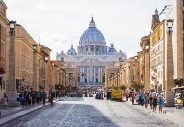 roman-holidays-welcome-via-della-conciliazione-vaticano